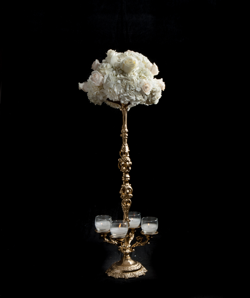 SC 48 BASE: 7 . HEIGHT: 29 Gold -Or Silver Candelabra 4 Candels