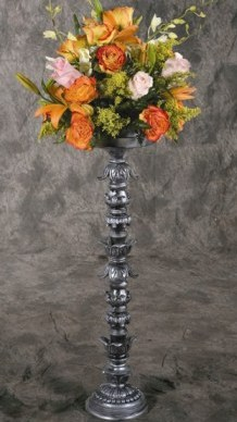 RA 10 BASE: 6.5 • HEIGHT : 29  Silver and Black Flower Holder