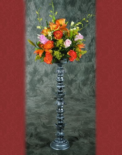 RA 10 RENT BASE: 6.5•HEIGHT:29 Silver and Black Flower Holder