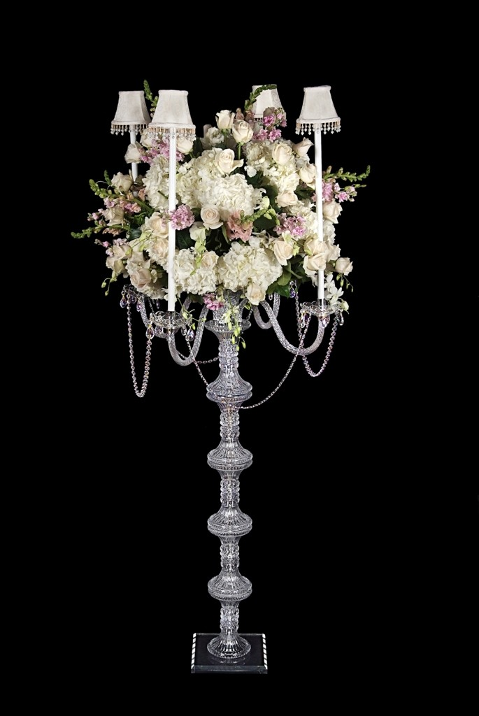 BS60 A distinguished candelabra in crystal. 53